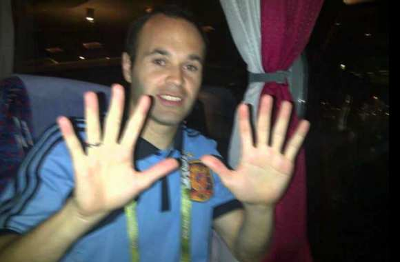 "Photo : Iniesta empile les ""Like"""