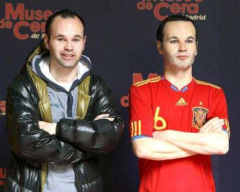 Photo : Iniesta la statue de cire
