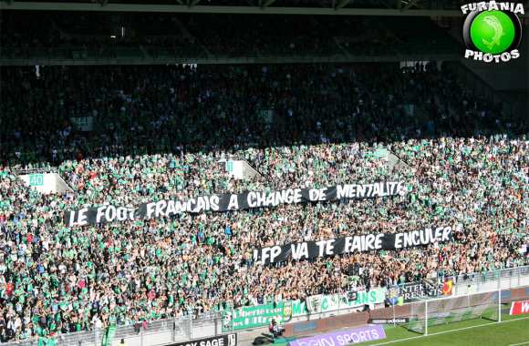 Photo : la banderole anti-LFP des Verts