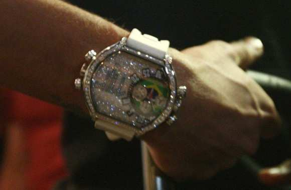 Photo: la nouvelle montre de Neymar