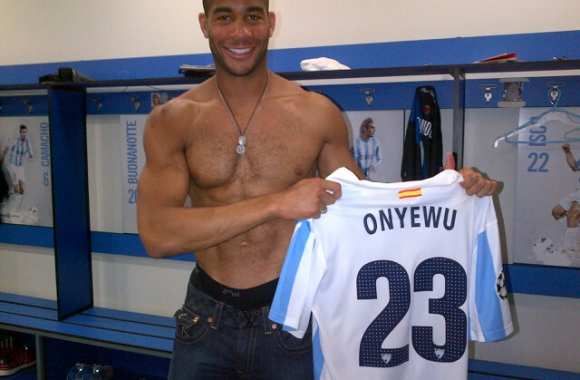 Photo : La pose torse poil d'Onyewu