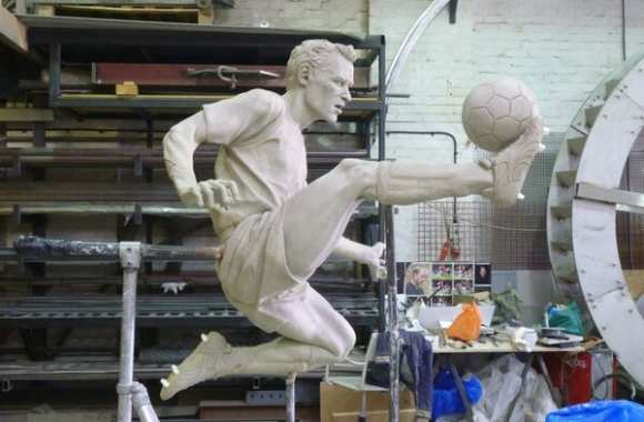 Photo : La statue de Bergkamp