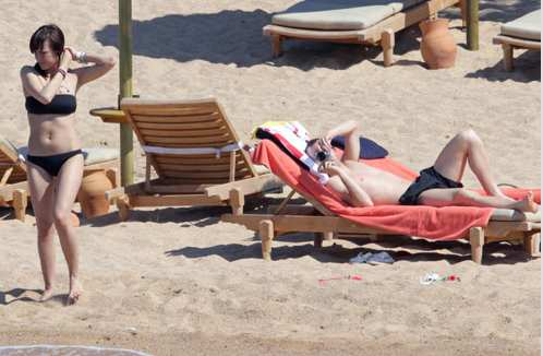 Photo : Le couple Iniesta sur la plage
