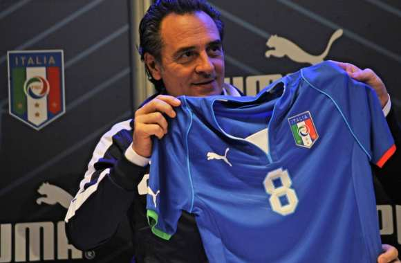 Photo : Le maillot de l'Italie pour 2013