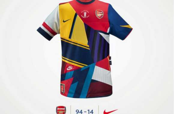 Photo : Le maillot patchwork d'Arsenal