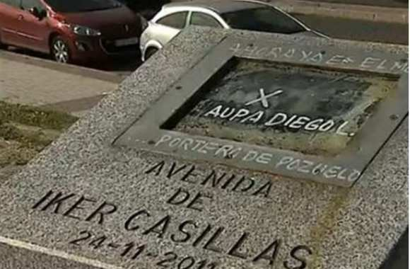 Photo: le monument de Casillas vandalisé