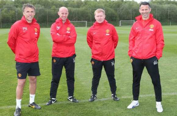 Photo : le nouveau staff de Manchester