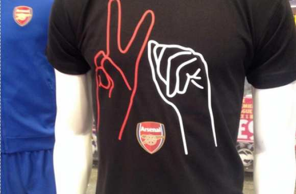 Photo: Le nouveau T-Shirt des Gunners