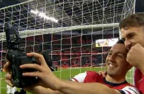 Photo : Le selfie polémique d'Arsenal
