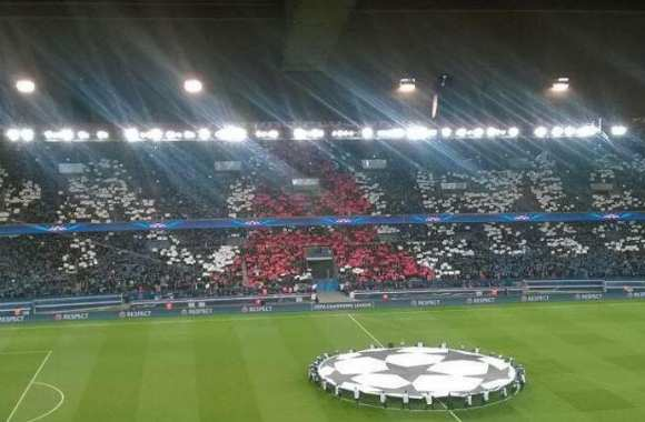 Photo : le superbe tifo du Parc