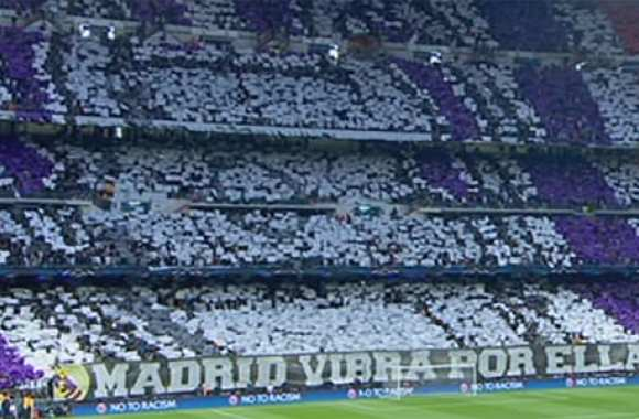 Photo: Le tifo des fans du Real