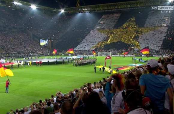 Photo : le tifo des supporters allemands
