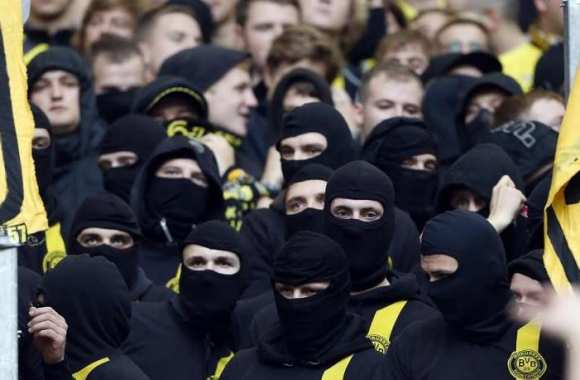 Photo : Les cagoules de Dortmund