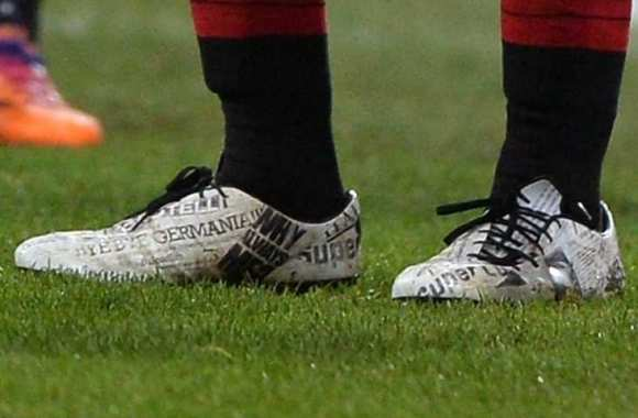 Photo : Les chaussures de Super Mario
