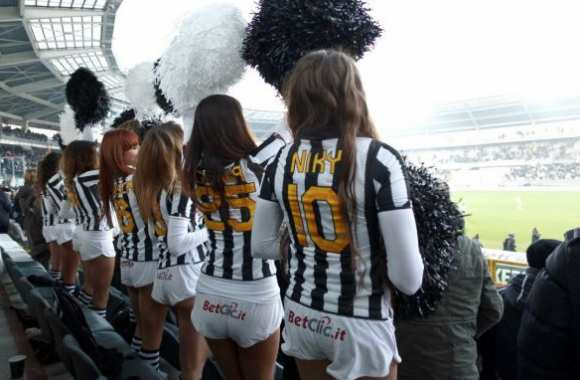 Photo : Les cheerleaders de la Juve