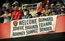 Photo : les fans d'Arsenal ironisent sur le mercato