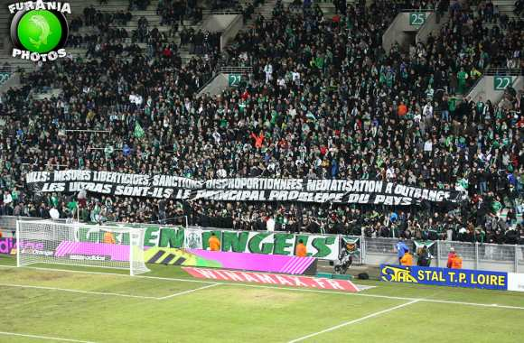 Photo : Les Green Angels taclent Valls