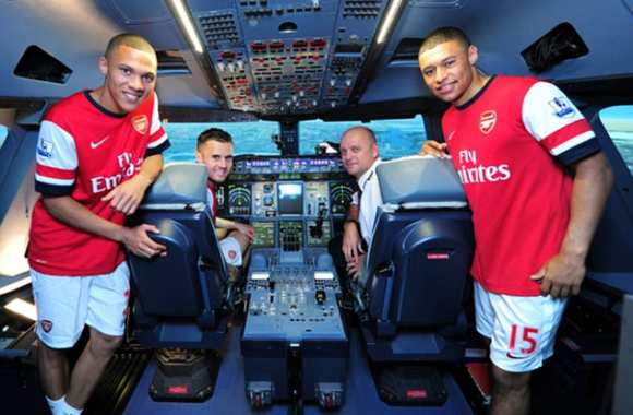 Photo : les Gunners pilotes d'avion