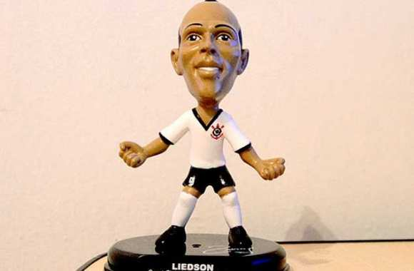 Photo : Liedson en figurine