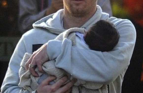 Photo : Messi bisoute son fils