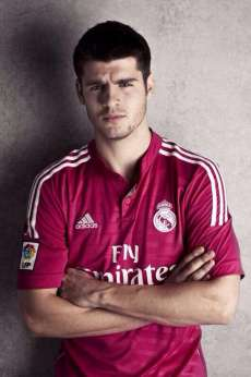 Photo : Morata pose en rose