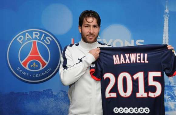 Photo : Paris prolonge aussi Maxwell