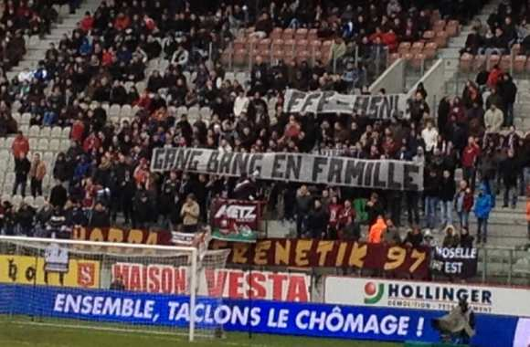 Photo : Pas contents, les supporters messins