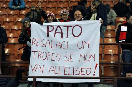 Photo : Pato se fait chambrer