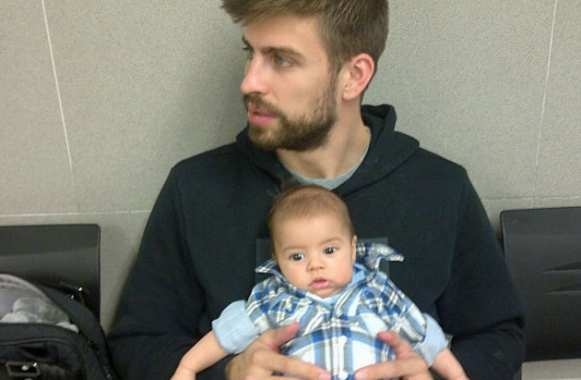 Photo: Piqué, Milan et le passeport