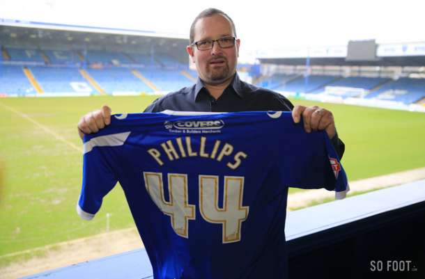 Portsmouth sign Papa Johns competition winner Rob Philips, 44 year old fan whos never played pro football!