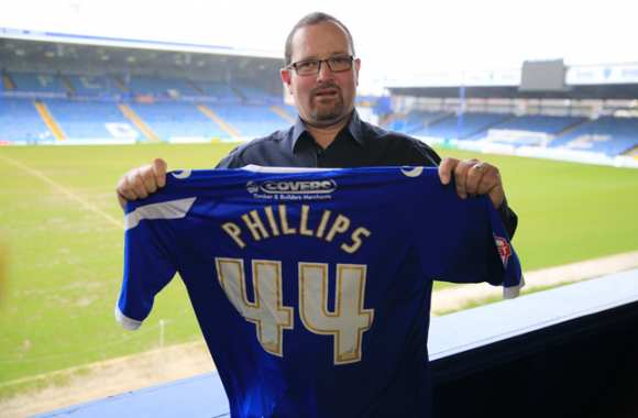 Photo : Portsmouth signe un fan de 44 ans