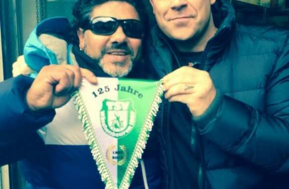 Photo : Robbie Williams et le faux Maradona