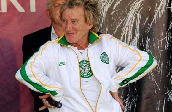 Photo: Rod Stewart en total look Celtic