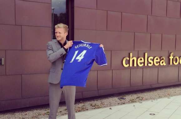 Photo : Schürrle signe à Chelsea