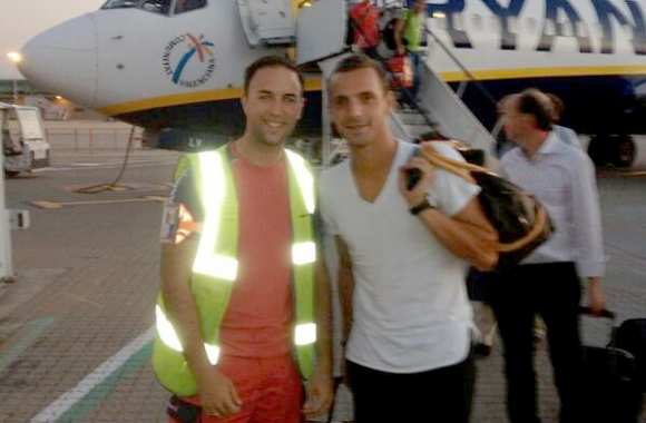 Photo : Soldado vole sur Ryanair