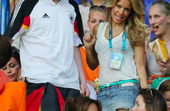 Photo : Sylvie van der Vaart en tribune