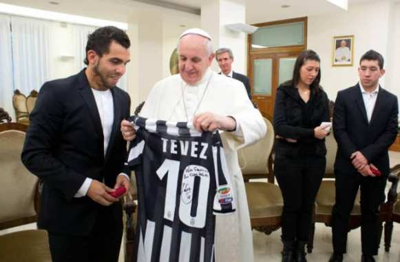 Photo : Tévez rencontre le pape