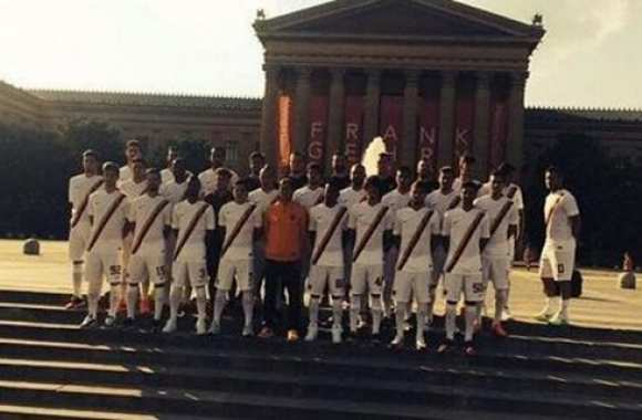 Photo : Totti la joue comme Ashley Cole