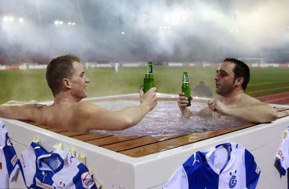 Photo : Un jacuzzi au stade