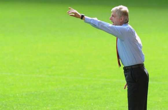 Photo : Wenger sort l'outil