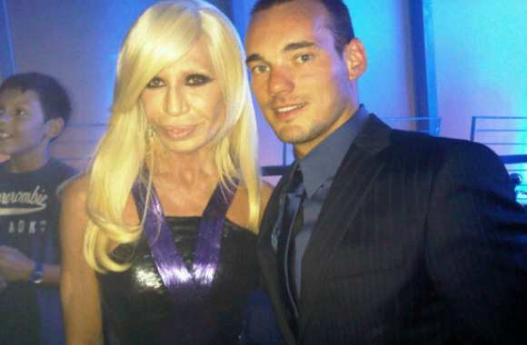 Photo : Wesley Sneijder & Donatella Versace