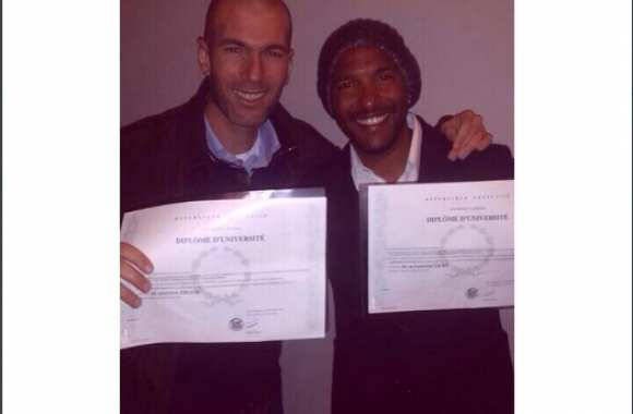 Photo : Zidane diplômé