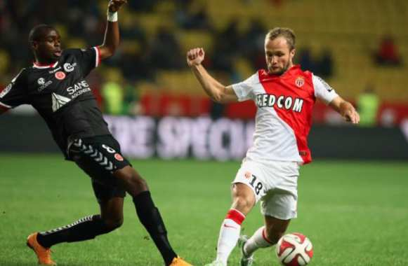 Prince Oniangue en difficulté face à Valère Germain