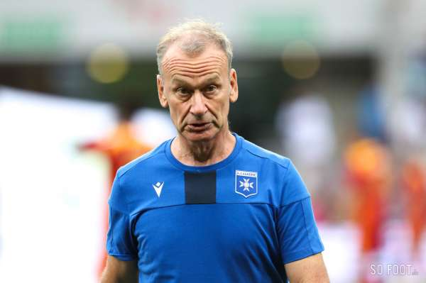 Pronostic Auxerre Grenoble : Analyse, prono et cotes du match de Ligue 2
