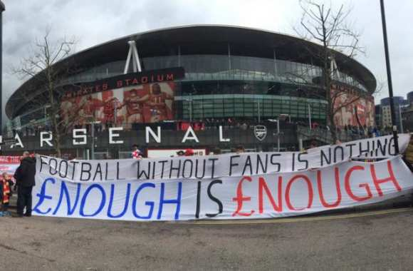 Protestation à l'Emirates Stadium