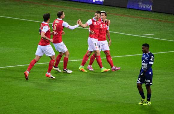 Reims double Troyes