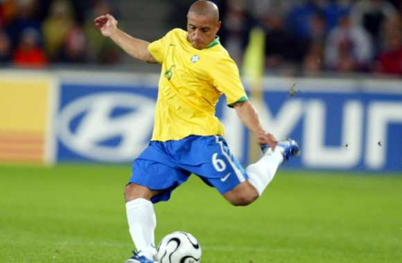Roberto Carlos officialise sa retraite