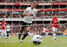 Robin van Persie buteur contre son ancien club d'Arsenal