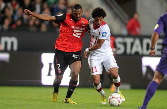 Ryan Mendes (Lille) et Kevin Theophile Catherine (Rennes)