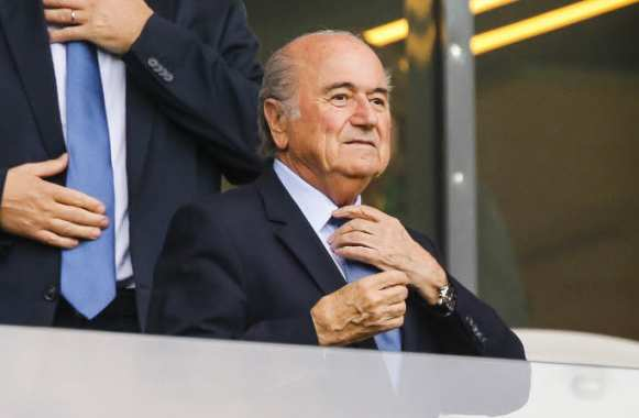 Sepp Blatter, la cravate en place